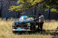 #Peugeot #403 à la Traversée de #Paris en #Voitures #Anciennes #TdP2015 Article original : http://newsdanciennes.com/2015/08/03/grand-format-news-danciennes-a-la-traversee-de-paris-2/ #Cars #Vintage