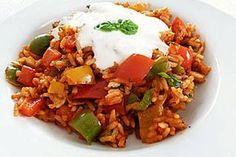 Paprika-Reispfanne mit Joghurtsauce