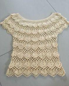 Marvelous Crochet A Shell Stitch Purse Bag Ideas. Wonderful Crochet A Shell Stitch Purse Bag Ideas. Mode Crochet, Hand Crochet, Crochet Lace, Black Crochet Dress, Crochet Cardigan, Knit Dress, Crochet Designs, Crochet Patterns, Crochet Woman