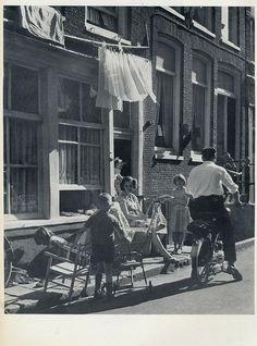 1950's. A view of a street in the Jordaan neighborhood of Amsterdam on a summer day. Photo Kees Scherer. #amsterdam #1950 #Jordaan