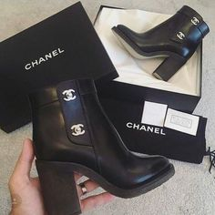 30 Chic Fall Shoes & Outfit Ideas – Street Style Look. 49 Pretty Street Style Shoes Looks That Make You Look Fabulous – 30 Chic Fall Shoes & Outfit Ideas – Street Style Look. Heeled Boots, Bootie Boots, Shoe Boots, Ankle Boots, Shoes Heels, Dream Shoes, Crazy Shoes, Me Too Shoes, Chanel Boots