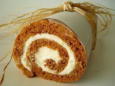 Pumpkin roll - it's still too early for me to be thinking about fall but damn. this looks incredible.