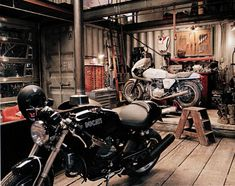 ideas for motorcycle garage workshop ideas spaces Garage Shed, Man Cave Garage, Garage Workshop, Dream Garage, Garage Bar, Garage House, Workshop Ideas, Motorcycle Workshop, Motorcycle Shop