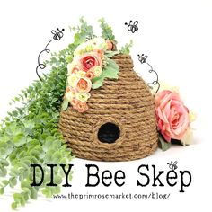 DIY Bee Skep - Easy and affordable! - DIY Bee Skep – Easy and affordable! Learn how to make a beautiful bee skep just in time for spring! Bee Crafts, Diy And Crafts, Diy Projects To Try, Craft Projects, Craft Ideas, Sisal, Bee Skep, Bee Hives, Bee Art