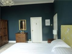Farrow and Ball Hague Blue bedroom bedrooms hague Master bedroom reveal Painted Bedroom Furniture, Dark Furniture, Furniture Removal, Neutral Bedrooms, Trendy Bedroom, Guest Bedrooms, Master Bedrooms, Guest Room, Blue Rooms