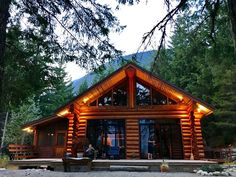 6 Cheap Cottages You Can Rent With Your Friends In Whistler Cheap Cottages, Airbnb Website, Sustainable Environment, Ski Season, Group Of Companies, Cabins In The Woods, Whistler, Skiing, The Neighbourhood