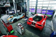 Some of what I've seen in the luxury garage trend is over-designed and just too much. I like a more hard-working garage like this one just fine though. Garage Shop, Car Garage, Man Shed, Garage Accessories, Cool Garages, Luxury Garage, Garage Workshop, Dream Garage, Garage Storage