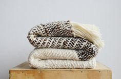 cozy up to fall throw blanket roundup  // jojotastic.com