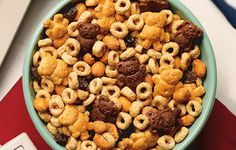 """""""Beary Good"""" Snack Mix Here's a winning combination of your favorite breakfast cereal and snacks--perfect when those munchies strike! Snack Mix Recipes, Best Dessert Recipes, Fun Desserts, Dog Food Recipes, Delicious Desserts, Snack Mixes, Kid Recipes, Flake Recipes"""