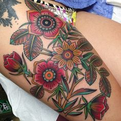 Flower tattoo by Shaun Topper Future Tattoos, Love Tattoos, Tattoo You, Beautiful Tattoos, Body Art Tattoos, Tattoos For Women, Tatoos, Traditional Tattoo Flowers, Traditional Thigh Tattoo