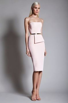 World Wide Couture Elegant Outfit, Elegant Dresses, Pretty Dresses, Beautiful Dresses, Gorgeous Dress, Runway Fashion, Fashion Show, Fashion Design, Fashion Spring