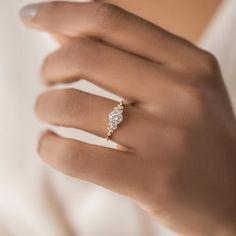 Cute Engagement Rings, Engagement Ring Settings, Delicate Engagement Ring, Engagement Rings White Gold, Platinum Engagement Rings, Delicate Rings, Ring Verlobung, Dream Ring, Ring Designs
