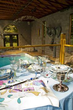 Poolside shabbat table setting,