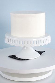 There are many, many, many ways to frost a cake. Ultimately, the technique you choose to use will be based on what makes you comfortable, but I'm hoping that this guide will give you a place to start!