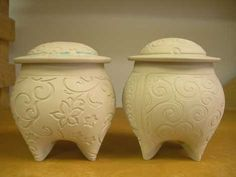 Sandi Pierantozzi's tripod jars - love and use her technique (with my own adaptations!)