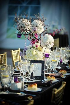 Center piece idea.     http://gallery.weddingbee.com/photo/hydrangea-tree-centerpieces