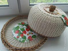 Поделка изделие Плетение Плетеные короба + хлебницы Бумага Бумага газетная Картон Ленты Трубочки бумажные фото 10
