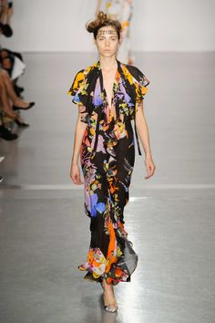 Spring 2015 RTW - VIVIENNE WESTWOOD RED LABEL COLLECTION  Photo:  Carlo Scarpato /2014 Carlo Scarpato
