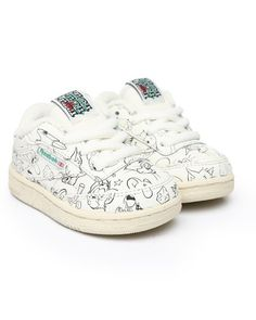 Find Tom & Jerry Club C 85 Sneakers Girls Footwear from Reebok & more at DrJays. Sweater Boots, Sweater Hoodie, Kid Shoes, Girls Shoes, Girls Footwear, Pink Dolphin, Diamond Supply Co, Famous Stars, Dad Hats