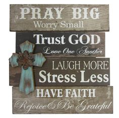 Christmas DIY: Another great find o Another great find on 'Pray Big' Cross Wall Sign Pallet Crafts, Pallet Art, Wood Crafts, Diy And Crafts, Rustic Signs, Rustic Wood, Wooden Signs, Barn Signs, Barn Wood