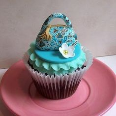 Like & repin please! #Cupcakes