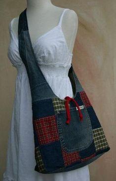 patchwork and denim purse Artisanats Denim, Denim Purse, Plaid Purse, Denim Skirt, Jean Crafts, Denim Crafts, Patchwork Bags, Quilted Bag, Denim Patchwork