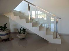 Escadas com porcelanato - veja modelos, dicas e preços! - DecorSalteado