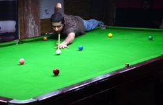 ISLAMABAD: Najum Munir  player  in action during the  1st Islamabad Snooker Championship at  Marwat Snooker Master.