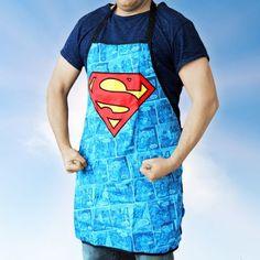 Du bist beim Kochen der Superman bzw. das Supergirl? Zeig's der Welt mit dieser witzigen Schürze. Für Heldentaten in der Küche und am Grill. via: www.monsterzeug.de