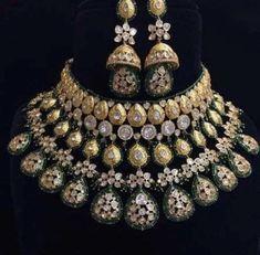 Teardrop necklace set with dangle earrings and bracelet / Wedding Jewelry Set Pearl / Drop Pearl Bridal Jewelry Set Minimalist - Custom Jewelry Ideas Indian Jewelry Earrings, Indian Jewelry Sets, Jewelry Design Earrings, Indian Wedding Jewelry, Wedding Jewelry Sets, Bridal Jewellery, Amrapali Jewellery, Handmade Jewellery, Jewelery