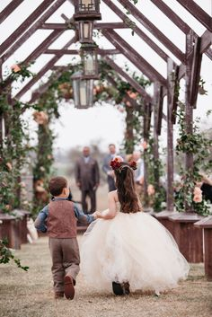 Tulle Flower Girl Dress with Full Skirt | Marcy Blum | Karlisch Photography | James Barn at Willow Creek Ranch | http://knot.ly/6491BZkiz