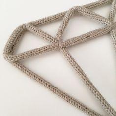 Diamant en fil de fer et tricotin