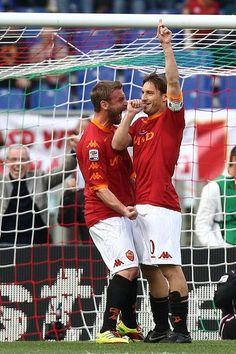 Francesco Totti and Daniele De Rossi Photos: AS Roma v US Citta di Palermo - Serie A