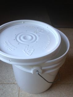 our composting pail even without the liners it doesnt stink love it gardening pinterest composting compost pail and gardens - Kitchen Composting Pail