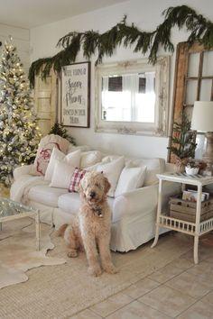 Stunning 70 Comfy Farmhouse Christmas Living Room Decorating Ideas https://crowdecor.com/70-comfy-farmhouse-christmas-living-room-decorating-ideas/
