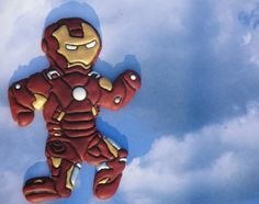 Iron Man | 5 Insanely Detailed Avengers Sugar Cookies-- These look amazing and also delicious!