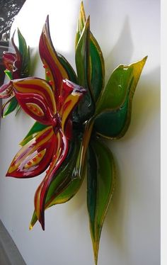 Stained Glass Wall Art for 2020 - Ideas on Foter Blown Glass Art, Fused Glass Art, Glass Artwork, Glass Wall Art, Glass Ceramic, Mosaic Glass, Slumped Glass, Kiln Formed Glass, Stained Glass Flowers