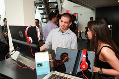 Guests enjoying the @HP technology during #ArtistTalk