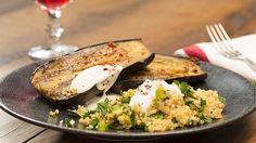 Gebackene Auberginen mit Bulgur-Salat, ein schönes Rezept aus der Kategorie Vegetarisch. Bewertungen: 5. Durchschnitt: Ø 3,9.