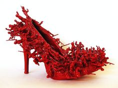 size 5 stiletto, toy soldiers, paint