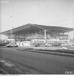 Arseniusz Romanowicz, dworzec PKP Warszawa Centralna, 1975