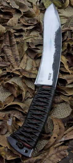 Get the best camping knives for your hunting accessories online in India