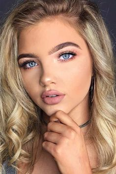 Not Boring Natural Makeup Ideas Your Boyfriend Will Love ★ See more: glaminati - Make-up-Kunst Natural Makeup For Blondes, Natural Summer Makeup, Natural Everyday Makeup, Best Natural Makeup, Natural Beauty, Natural Makeup For Teens, Everyday Makeup Blue, Simple Makeup For Teens, Makeup On Blondes