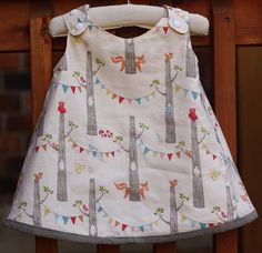 Reversible Serena Baby Dress--doesn't come with tutorial, but looks easy enough. Volz ya think we could wing it? Baby Girl Dress Patterns, Baby Clothes Patterns, Little Dresses, Little Girl Dresses, Skirt Patterns, Blouse Patterns, Sewing Patterns, Pillowcase Dress Pattern, Pillowcase Dresses