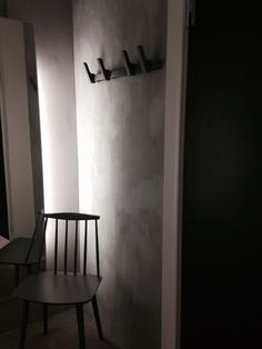 Fresco lime paint from Pure & Original in the dressing room at Hvit Tråd Mann. Color used is Evening Shadow