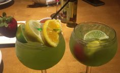 Green apple moscato sangria chilled moscato i e pina - Olive garden green apple sangria ...