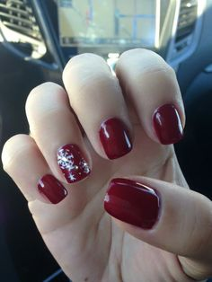 Red Winter Snow Flake Nails
