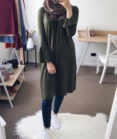 Fashion stylish tunics for woman Modest Fashion Hijab, Modern Hijab Fashion, Muslim Women Fashion, Islamic Fashion, Fashion Outfits, Fashion Fashion, Girl Outfits, Fashion Trends, Hijab Outfit