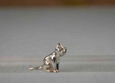 Petit chat en étain