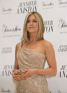 For so long I've had my hair cut like Jennifer Aniston. I went with something different this time, but this style will definitely by my next look! Jennifer Aniston - hair